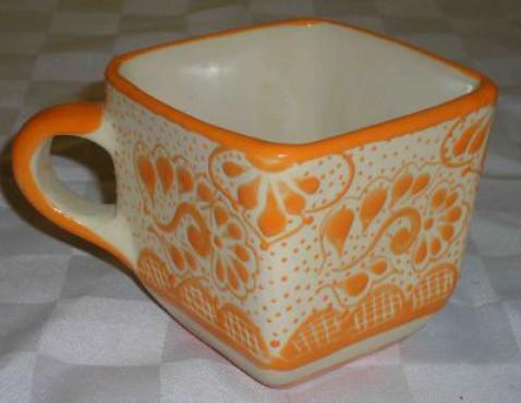 Taza Cerealera Decorado Punto elaborado en cerámica de alta temperatura.