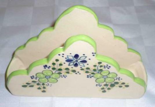 Servilletero Pirámide elaborados en cerámica de alta temperatura.