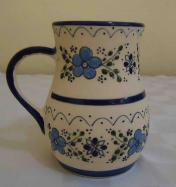 Jarro Ponchero Colores Varios elaborado en cerámica de alta temperatura.