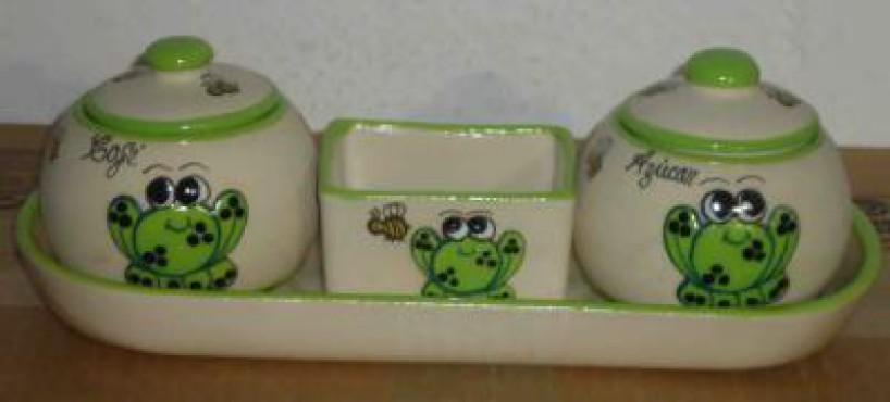 Juego de Azúcar y Café decorado Rana elaborado en cerámica de alta temperatura.
